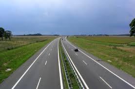 Límites de velocidad de la nueva Ley de tráfico se retrasan hasta otoño