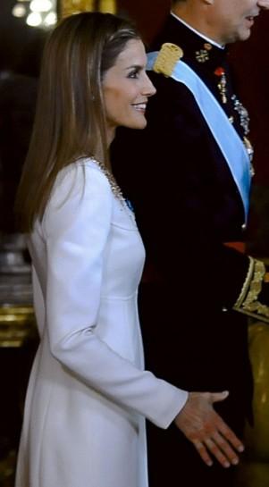 A pesar de la supuesta molestia en la mano, Letizia no perdió la sonrisa en ningún momento. SEMANA.