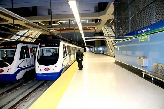 Roban a un policía fuera de servicio cuando salvaba la vida a un borracho en las vías del metro en Madrid