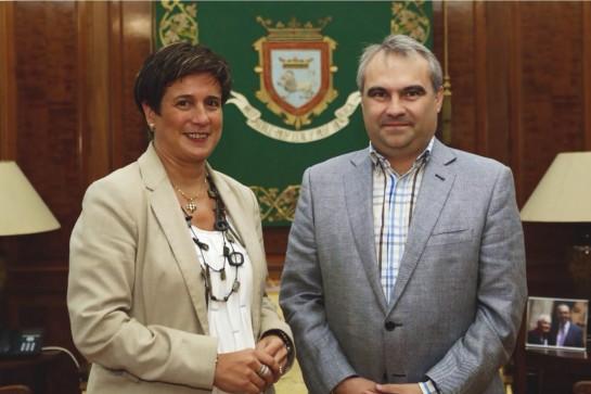 El alcalde de Badajoz visita Pamplona para conocer algunos proyectos y actuaciones realizadas