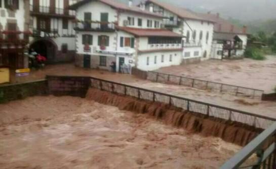 Múltiples daños causados en Elizondo, Santesteban y alrededores por el desbordamiento del río Baztan