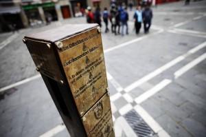 Poste del vallado del Encierro en la Plaza Consistorial. (D. Noticias).