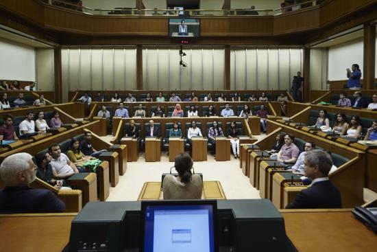 """PSE, PP coinciden ahora con EH-Bildu y UPyD en  """"las 'vacaciones fiscales'"""