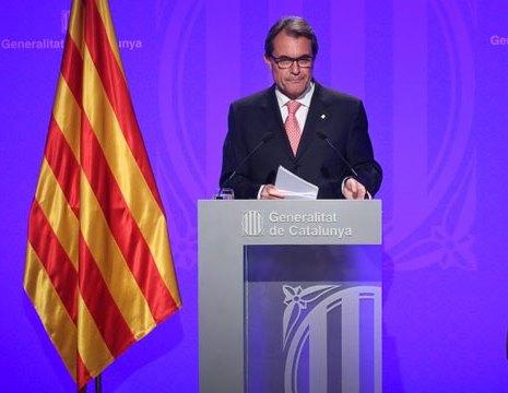 La Generalitat plantea aplazar la consulta del 9-N ante la postura del TC y abre una crisis con ERC