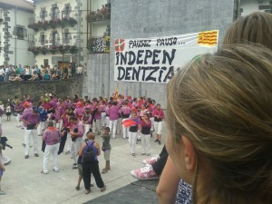 """Estos de """"morado"""" son los independentistas catalanes en Leiza"""