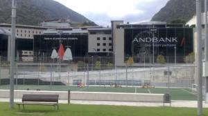 El Andbanc en la capital del Principado, Andorra la Vella. (Foto: Navarra Información).