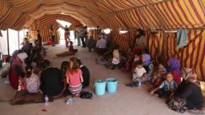 Decenas de miles de yazidíes huyeron del avance del EI.