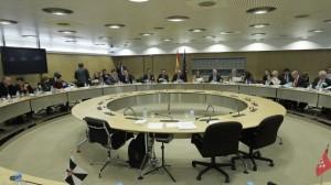 Navarra negocia el déficit 2013