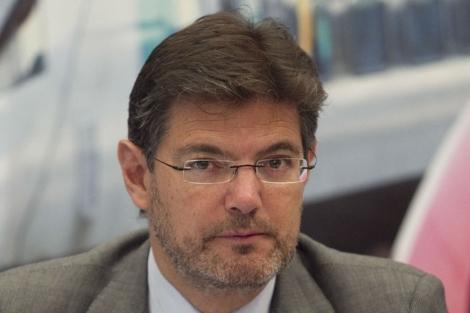Catalá descarta cambios penitenciarios para presos de ETA tras comunicado