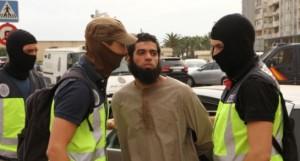 Detención del supuesto yihadista. (Foto: El País).