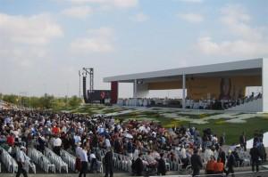 Una marea de 200.000 personas celebran la beatificación de Álvaro del Portillo. Foto: EUROPA PRESS