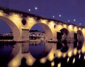 Puente de Palmas (Badajoz) sobre el río Guadiana. www.deviajeporextremadura.net