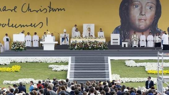 La Iglesia beatifica a Álvaro del Portillo en una ceremonia multitudinaria