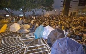 La oposición democrática de Hong Kong declara la desobediencia civil