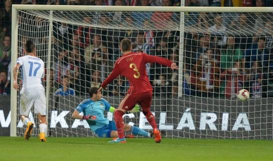 España pierde crédito en Eslovaquia (2-1)