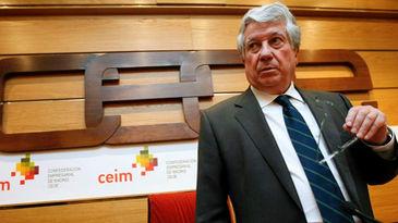 Arturo Fernández devolverá los 37.000 euros que gastó con la tarjeta 'b'