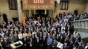 """Los ayuntamientos catalanes cierran filas con la consulta soberanista: """"Ahora o nunca"""""""