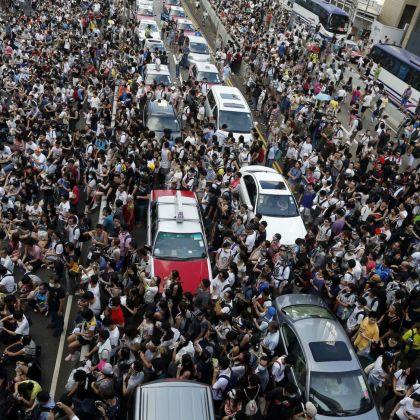 Tensión e incertidumbre en Hong Kong pese a la promesa de diálogo