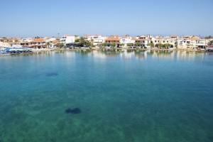 El pueblo de Elafonisos visto desde el mar