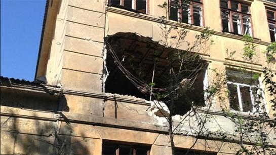 Los obuses alcanzan un colegio en Donetsk en la apertura de curso