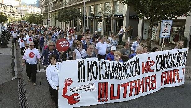 Extrabajadores de Fagor Electrodomésticos manifiestan en Mondragon