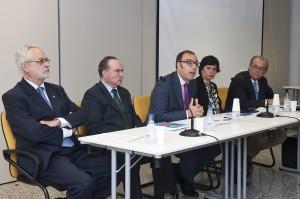 De izda a dcha, Enrique Soler, José Zamarriego, Francisco José Fernández, Adela López de Cerain y José Ignacio Centenera. Foto: UNAV