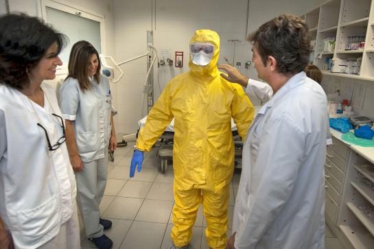 Salud pone en marcha un plan de formación para actuar ante casos sospechosos de ébola en Navarra
