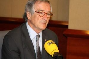 Xavier Trias, alcalde de Barcelona, explicando su postura en la cadena SER.