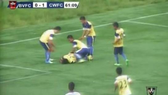 Un futbolista indio muere tras romperse el cuello celebrando un gol