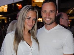 Oscar Pistorius y su novia.