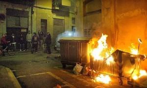 Queman nueve contenedores en diferentes calles de Sopelana (Vizcaya)