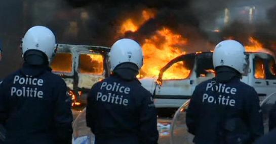 Arden las calles de Bruselas