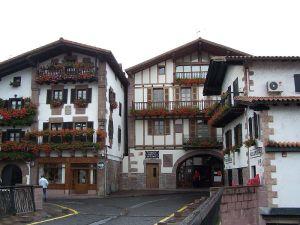 Imagen de la localidad navarra de Elizondo. (commons.wikimedia.org).