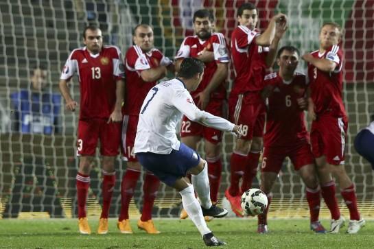 Cristiano salva a Portugal, Alemania cumple el trámite y Grecia fracasa