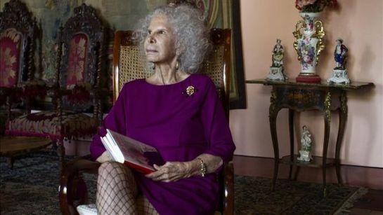 La duquesa de Alba, trasladada del hospital al Palacio de Dueñas para ser tratada en casa