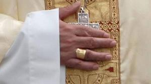 Anillo episcopal del obispo emérito de San Sebastián Juan María Uriarte. (DV).