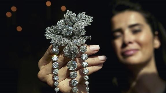 Un broche de la emperatriz Eugenia de Montijo vendido por casi 2 millones de euros