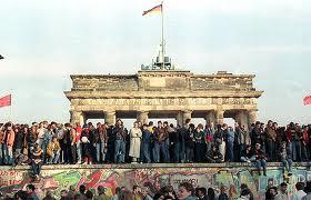 El 25º aniversario de la caída del Muro de Berlín: ambiente festivo y sin políticos