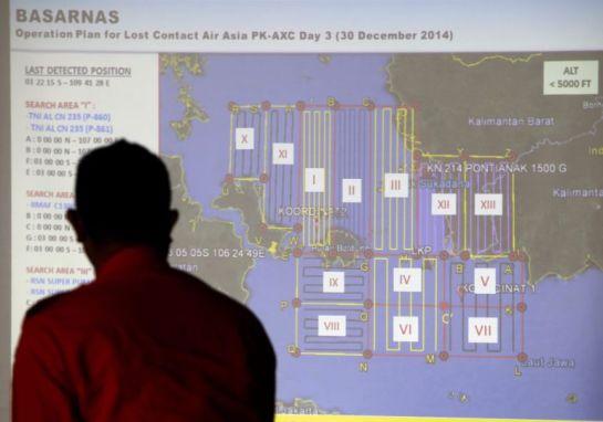 Indonesia confirma que ha encontrado restos del avión de AirAsia desaparecido el domingo en el mar
