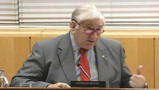 González cesa al consejero de Sanidad de la Comunidad de Madrid