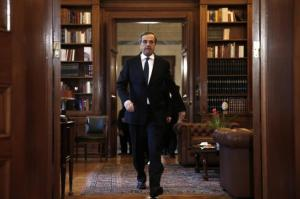 El primer ministro griego, Antoni Samaras, a su llegada la mansión presidencial en Atenas. Reuters