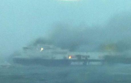 La cifra de muertos en el ferry incendiado en Grecia se eleva a cinco