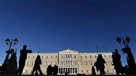 El Parlamento griego no respalda al candidato a la Presidencia y adelanta las elecciones generales