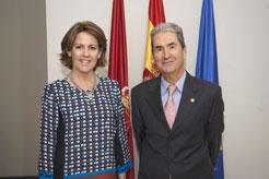 Yolanda Barcina recibe al presidente saliente del Ateneo Navarro, Jesús Mª Arlabán