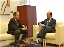 Catalán recibe al presidente del Ateneo Navarro