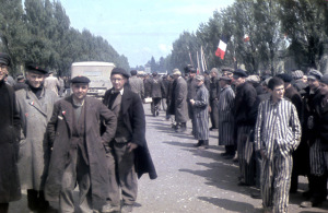 Imágenes a Color del primer campo de concentración nazi reveladas por el sitio web Vintage Everyday