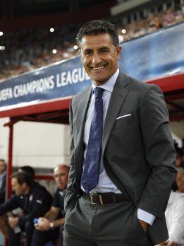 El Olympiacos destituye a Michel