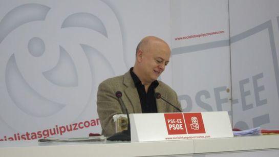 """El PSOE """"perdona"""" a dos diputados que se abstuvieron en la ley de abdicación"""