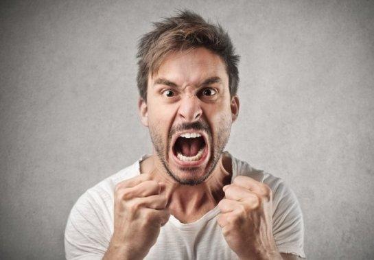 Un estudio afirma que un rostro agresivo nos hace parecer más fuertes