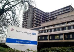 Una enfermera británica regresa de Sierra Leona contagiada con el ébola